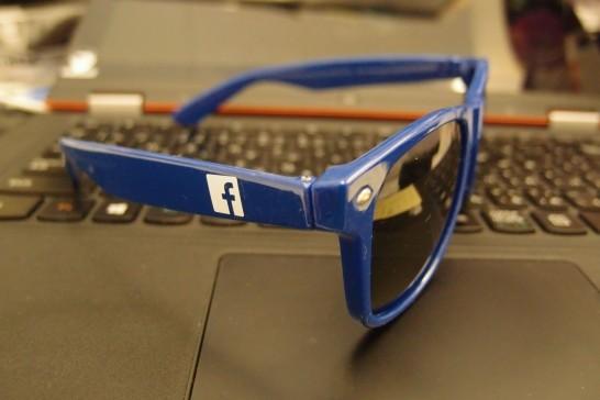 Facebookサングラス2