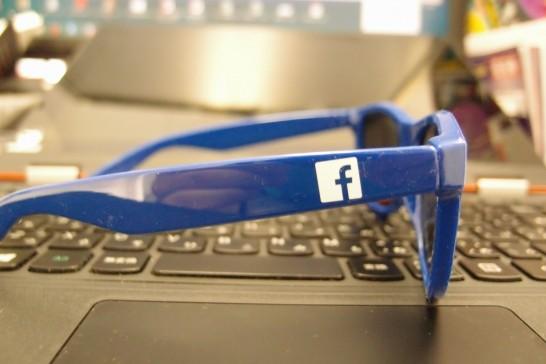 Facebookサングラス4
